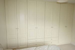 Cream Vinyl Door Builtin Wardrobe