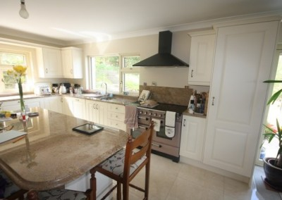 Ivory Solid Door Kitchen With Granite Worktop